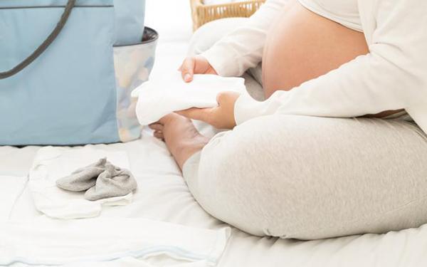 Co naprawdę trzeba wziąć do szpitala do porodu?